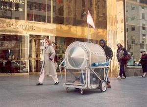 Krzysztof Wodiczko, «Homeless Vehicles», 1988 – 1989