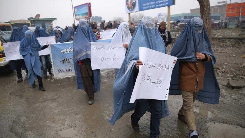 Hombres-burka