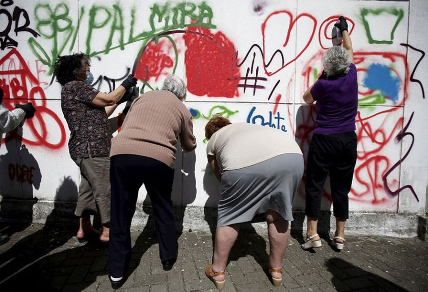 lata 65 abuelas graffiteras (1)