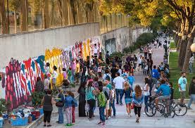 Participación ciudadana en los murales de Boa Mistura
